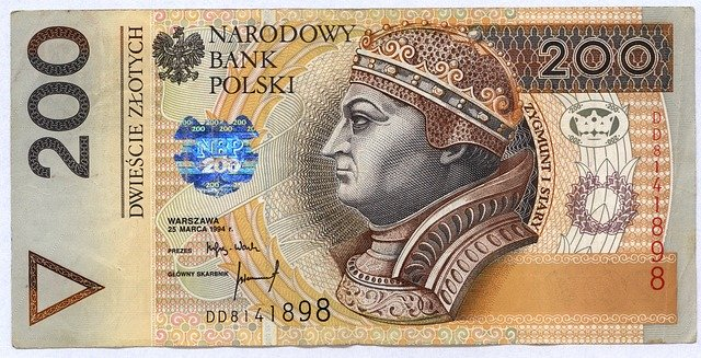 200 zlotys
